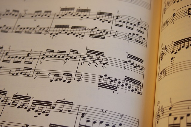 music-656593_640